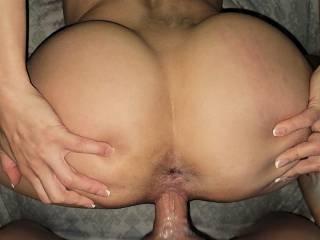 spread those ass cheeks