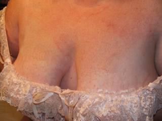 We gots cleavage