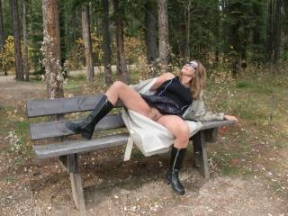 very sexy love to bend her over that bench