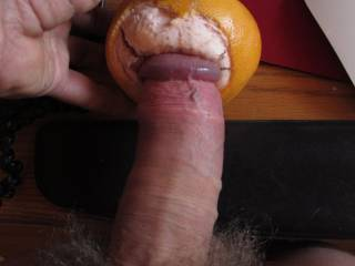 Excited by hot ZOIG posts, trying something new: sweet, fruity and wet, good for the skin: any slut wants to suck me off ...
