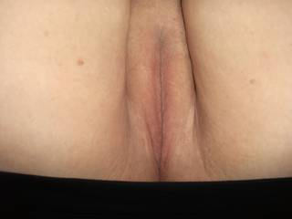 that an absolutely beautiful luscious juicy wet pussy for pleasure as for the pussy juice great moisturizer for face tongue hands cock balls                 a woman' s nectar lol