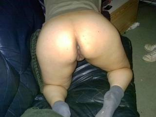 i want to be right behind u ! with my cock and tongue !! adding u'r sexy butt to my collection!!