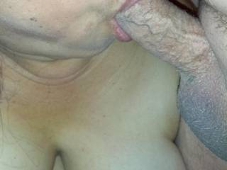 I just luv a gal that loves to suck cock