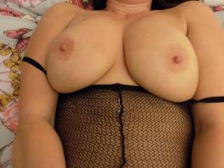 very hot boobs ,you look amazing full screen , wish i could give them a nice cock slapping and suck n fuck xxx