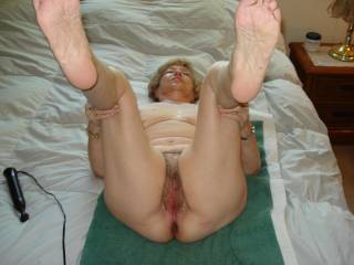 Very inviting old pussy