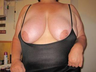 Love those tits, would love to shoot a load over them...