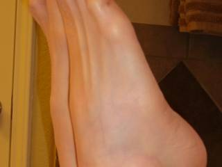 Lindesey back for anoher color! Orange cuban heel vintage stockings!    :D