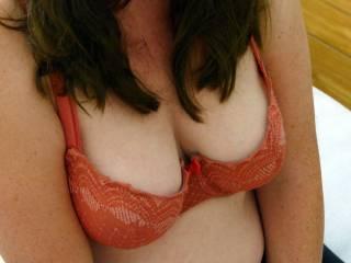 Venez jouir sur mes seins !!  Jizz on my tits please