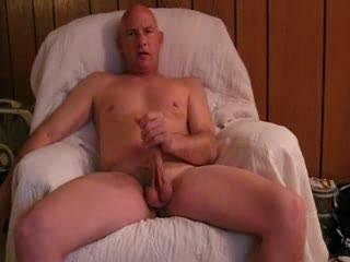 wud love to be licking ur balls while u stroke that lovely big cock x