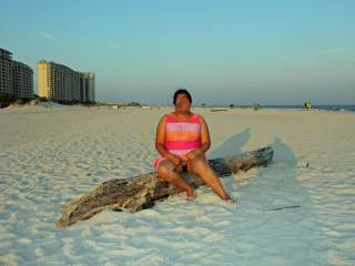 I am normally shy about being nude in public...it blew hubby's mind when I suggested we take some naughty pics on the beach!