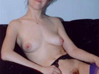 do you like girls? i think you are so hot. mabey chat sometime.