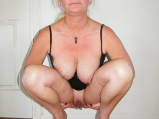 I would love for you to squat over my mouth so I can eat your beautiful pussy until you squirt your delicious juice in my mouth