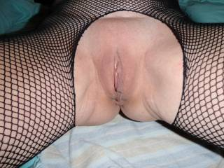 Would love to fill that pussy with cum and then suck it all back out and let her lick it off my tongue.