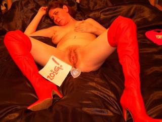 luv pussy and the sexy red boots!! hot photo!