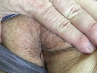 loves having tongue in here