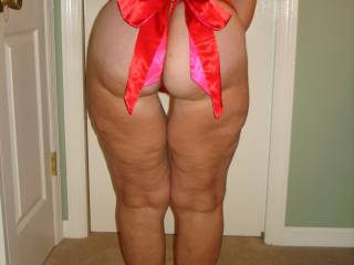 """I""""d love to open that bow with my teeth then use my mouth to love that ass! Ok....ready for MORE pix of that sexy ass of yours!!!  (A LOT more)!"""