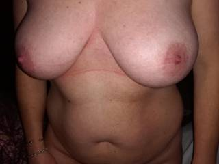 I tell my wife i love her tits and i want a picture to masturbate when she\'s away. Share with you the result.