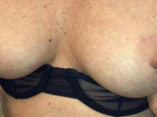 I love it when the wife pulls her bra down so I can photograph her perky tits!!!