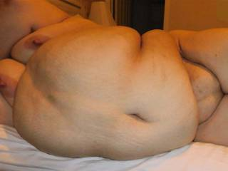 Awesome belly, Tits and Fat pussy!