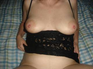 mmm would love to shoot my load all over her beautiful tits