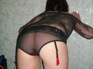 Mmmm you're teasing me too sexy! How'd you like me to slip those knickers down and lick that pussy?