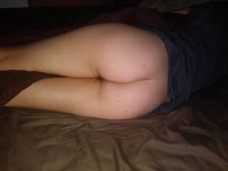 Fucked her ass all night.Perfect legs and hips to grab and hold on to.
