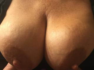 These tits seen a lot of sun at the nudist resort. Do you like her tanned tits?