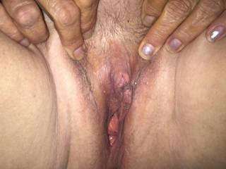 Look at her little head on her clit just about to pop out what you think comments pls