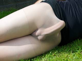Suck you outdoor through your gf nylons and make you cum
