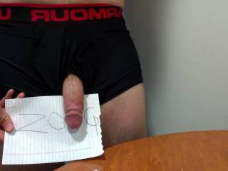 now thats a huge dick!!!! i want it