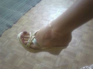 i love your amazing sexy feet and legs please post more of both i would love to see feel and kiss them