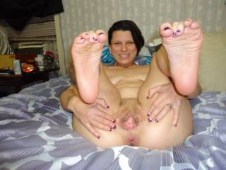I love your toes! But I love how your spread that beautiful wet pussy even more. Your a sexy beautiful woman with great tits and a gorgeous ass! I wanna gobble you up.