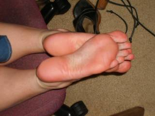Your command IS my wish!!! God would I love to get my tongue on those soles n toes....long slow licks from heel to gorgeous sexy toes...WOW!!!