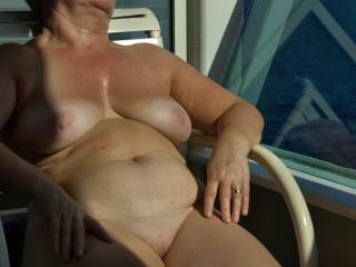 Wow! That pussy look ready to eat. Wish I was on that cruise ship to lick and suck your pussy out on the balcony. Love to have you leaning your tits over the railing as I do you from behind.
