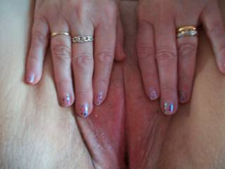 Would love to suck your fingers, after they were inside your wet pussy, then eat you pussy till you cum & cum.....