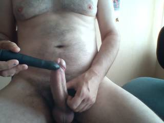 this small black thing is very powerfull. It made me cum like crazy, and  the feeling is quite different from having regular sex. I love sex toys...