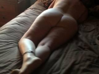 leg rub please
