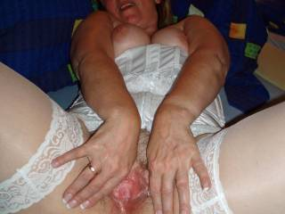 U open my pussy for big cocks