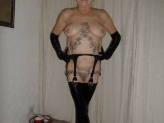 Hi all hope my pvc outfit meets with your approval, dirty comments welcome mature couple