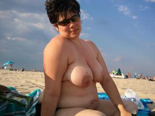 Very hot beautiful sexy women. You have great looking breast hope to meet you one day at the beach their
