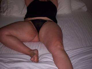 luv to have those luscious thighs wrapped around my face and eat you, then fuck your wet pussy