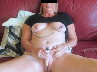 Sexy milf! Would love to have her suck me while she plays :-)