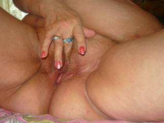 love to put my tongue and cock in your hot pussy mmmm