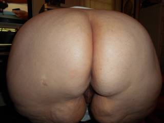our neighbor the whore loves to satisfy the wife and me
