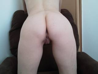 She like to come over after she fucks some guys on date and let my Hubby clean her pussy, some times I help him.