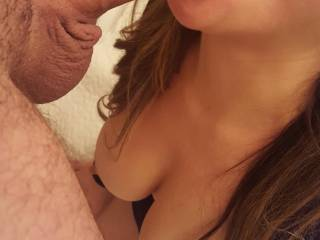 Mmmmmm, she looks like she is enjoying that nice thick cock....I know I sure would enjoy it.  I would love to suck him off and eat all of his cum....or do I need to share it?  MILF K