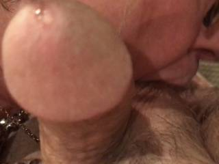 She managed to get the pre cum flowing while sucking on my balls. That's a great feeling🤗