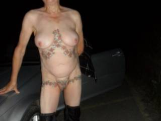Hi all it was so hot last night I just needed to strip off and take a walk, comments welcome please mature couple