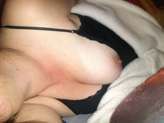 her tit pop out looks like that nipple needs a sucking any takers ........................x
