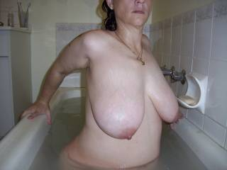 great big saggy tits !i wanna play with my cock on u'r big tits